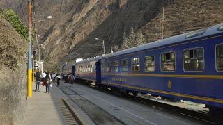 it_el_aubergue_train
